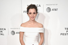 Look of the Day: Emma Watson's Subtle Simplicity