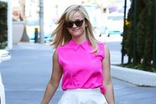 Reese Witherspoon Does Girly Girl Chic