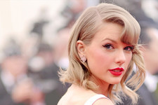 TRIVIA: Test Your Taylor Swift Style IQ